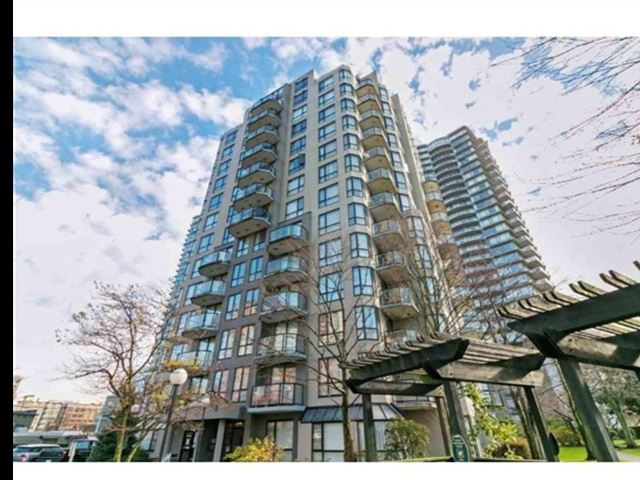 New Westminster Towers - photo 0