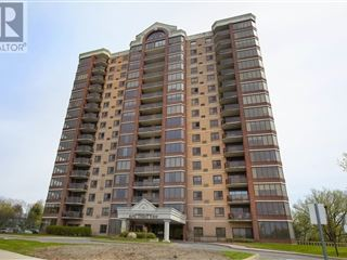 1000 King St W property image 1/30.