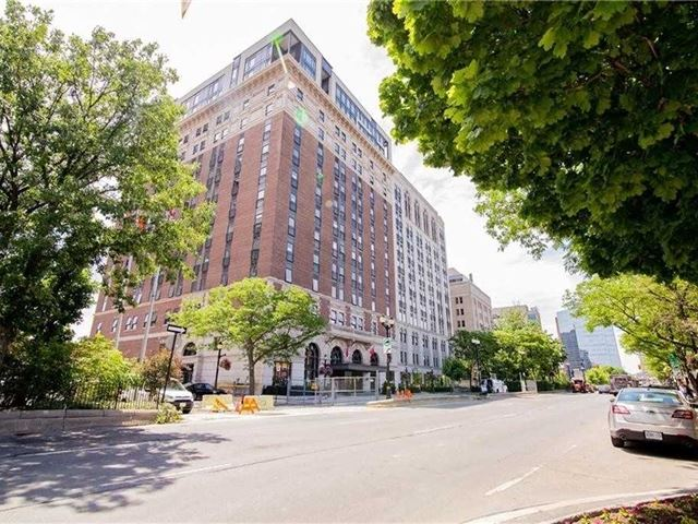 Royal Connaught - 717 118 King Street East - photo 2