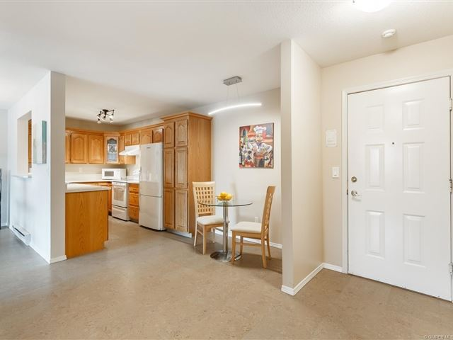 Gordon Park Village - 213 1329 Klo Road - photo 3