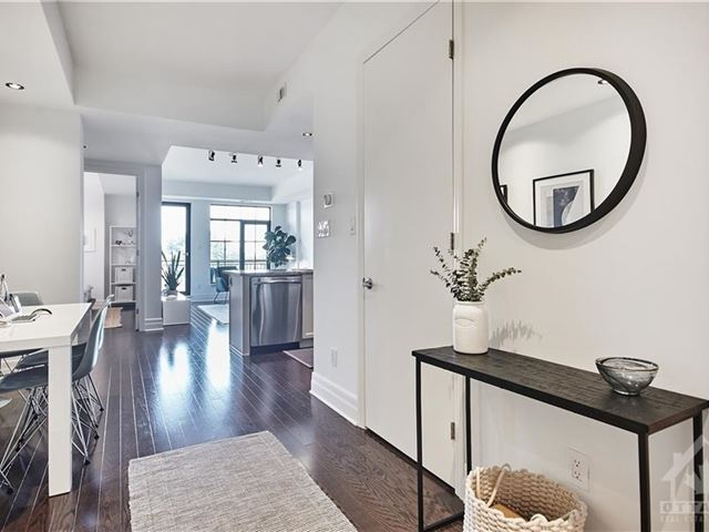 The Radcliffe at Merrion Square - 606 327 Breezehill Avenue South - photo 3
