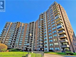 551 The West Mall property image 1/24.