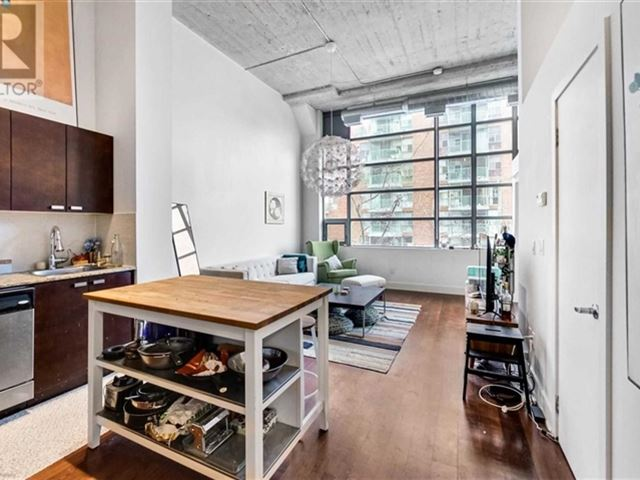 Tip Top Lofts - 222 637 Lake Shore Boulevard West - photo 2
