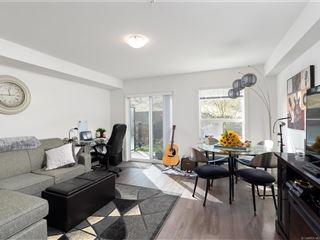 881 Academy Way property image 1/11.